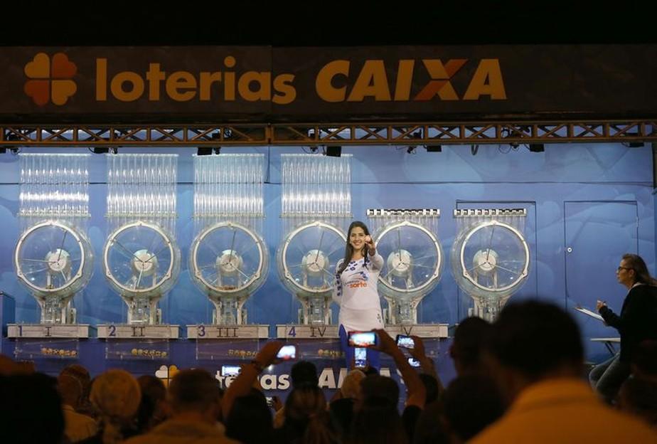 Aposta de Curitiba-PR ganha R$ 101,1 mi da Mega-Sena; veja dezenas sorteadas