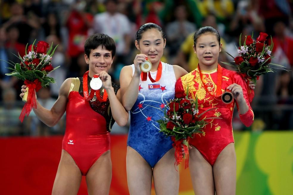 Defendendo a Alemanha, Oksana Chusovitina conquistou medalha olímpica no salto de Pequim 2008 (Foto: Jed Jacobsohn/GettyImages)