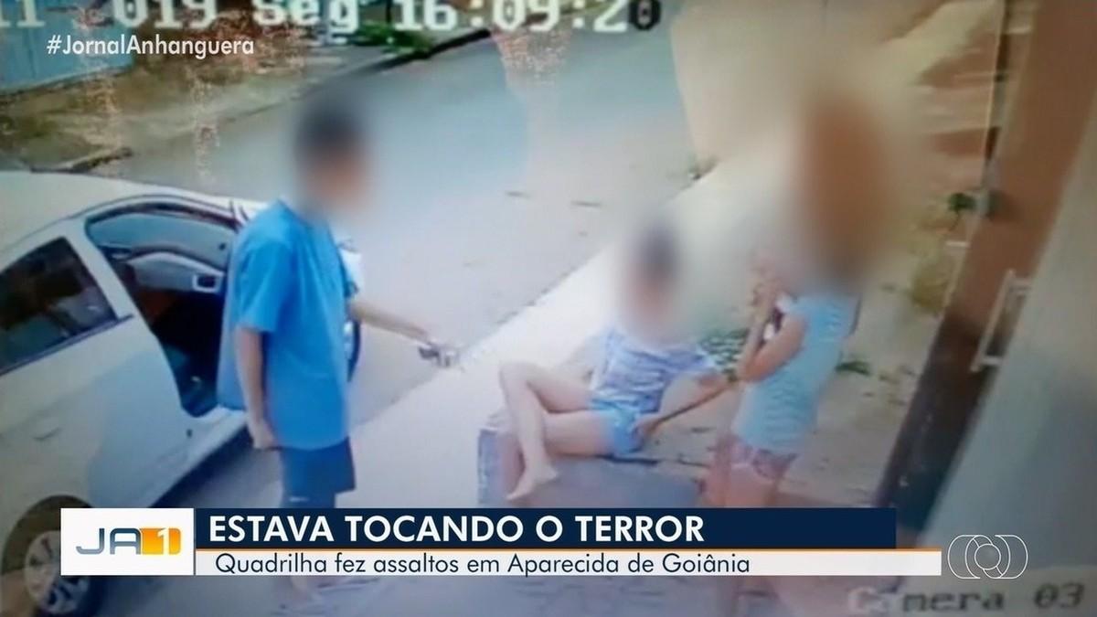 Rotam detém grupo flagrado roubando mulheres e até crianças em Aparecida de Goiânia; vídeo - G1