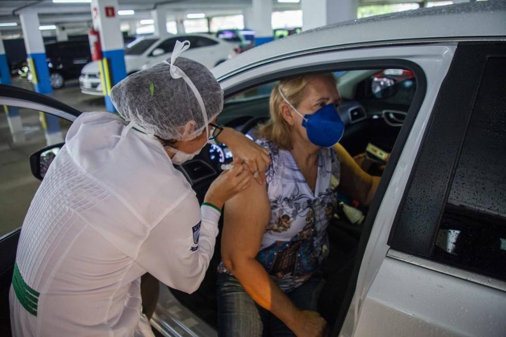 Vacinação começa para idosos a partir de 72 anos, em João Pessoa — Foto: SMS/Divulgação