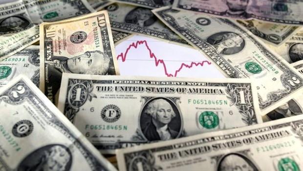 Sobe e desce do dólar tem impacto direto na inflação (Foto: Reuters, via BBC)