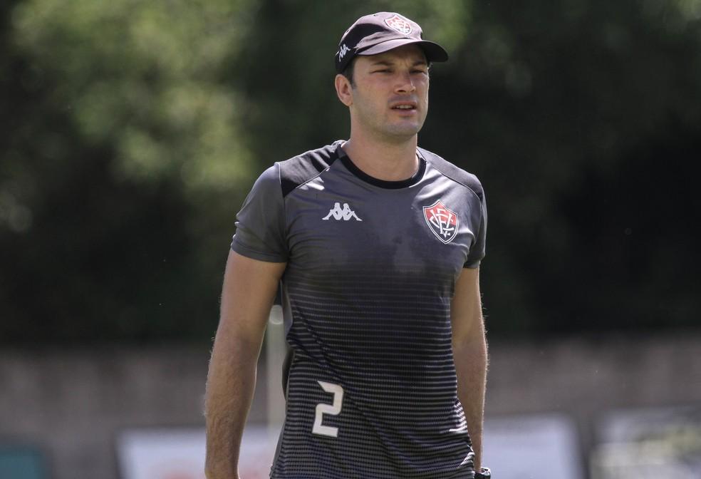 Bruno Pivetti é o encarregado por dar sequência ao comando técnico da equipe rubro-negra — Foto: Letícia Martins / EC Vitória / Divulgação