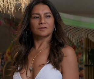 Dira Paes é Janaína   TV Globo