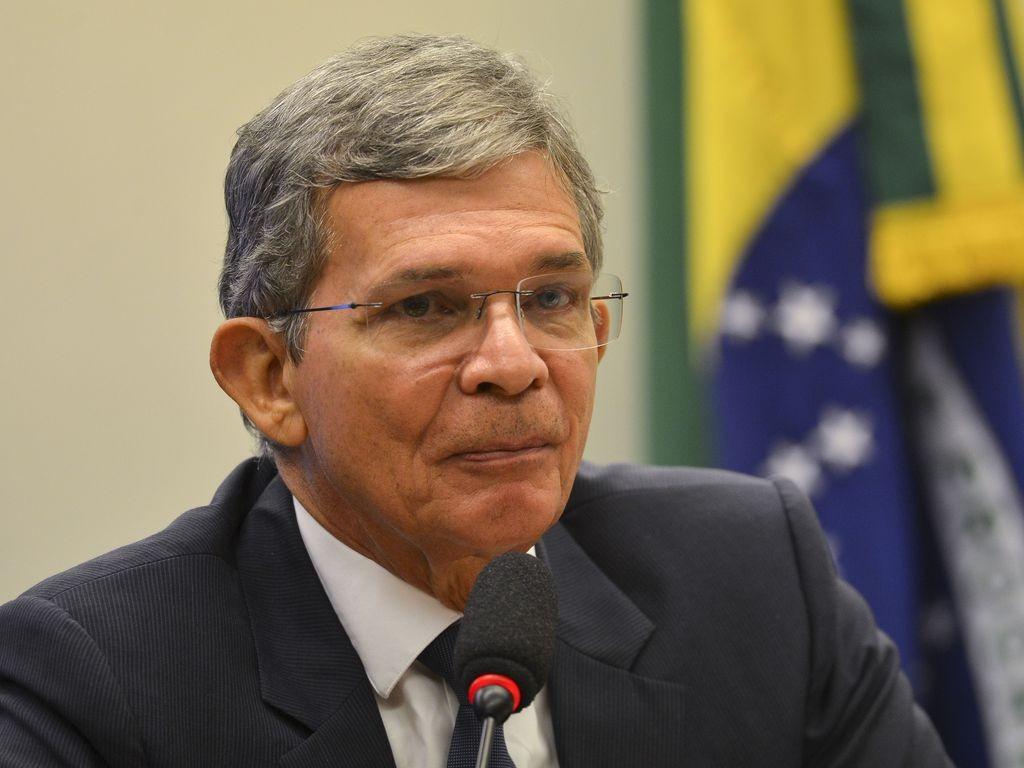 Joaquim Silva e Luna é aprovado para conselho da Petrobras thumbnail