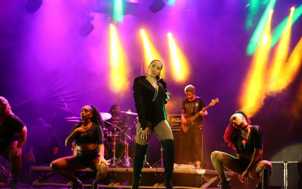 Sensualidade e muita autoridade no palco (Foto: Laecio Lacerda)