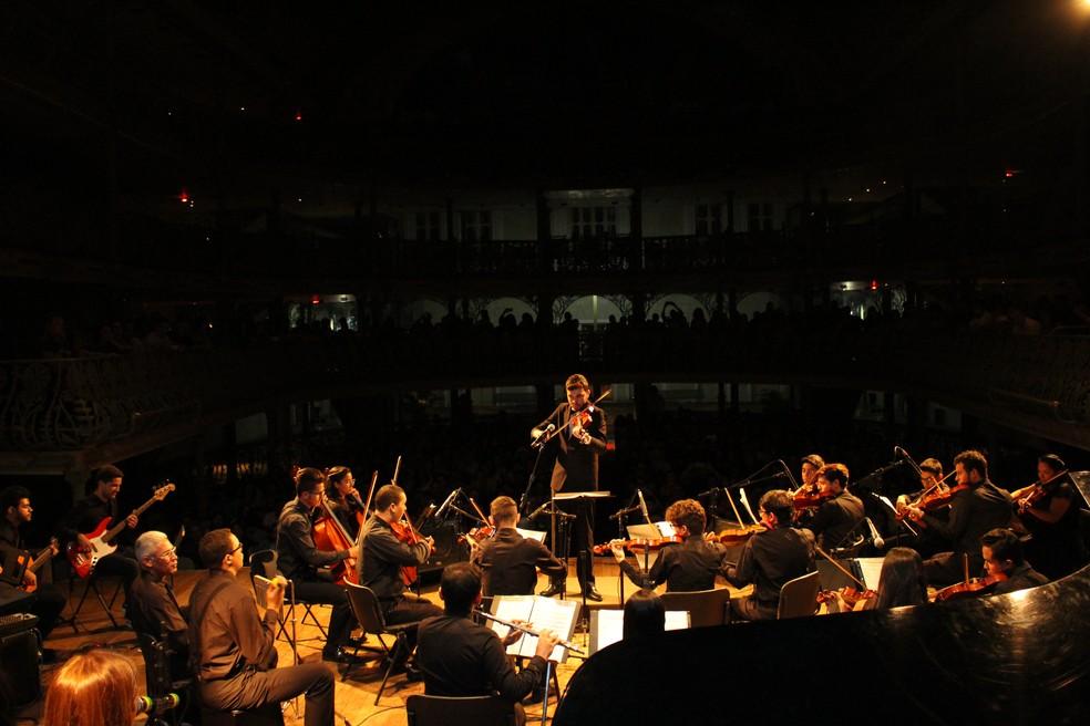 Orquestra de Câmara Heitor Villa-Lobos apresenta concerto no Dia Mundial do Rock em homenagem aos Titãs. (Foto: Divulgação)