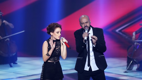'The Voice Brasil': web vibra com dueto de Juliano Barreto e Carol Biazin