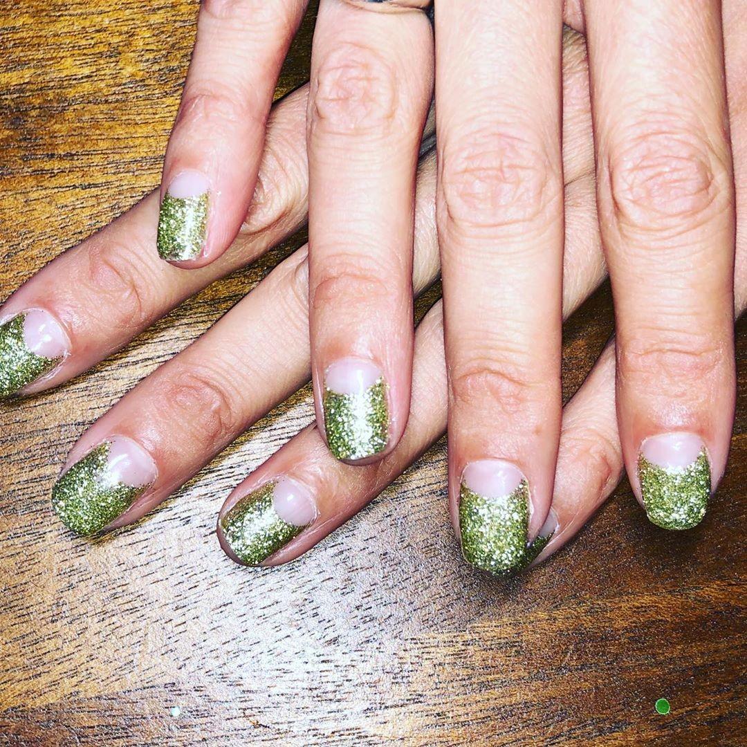 As unhas de Alexa Chung (Foto: Instagram/ Reprodução)