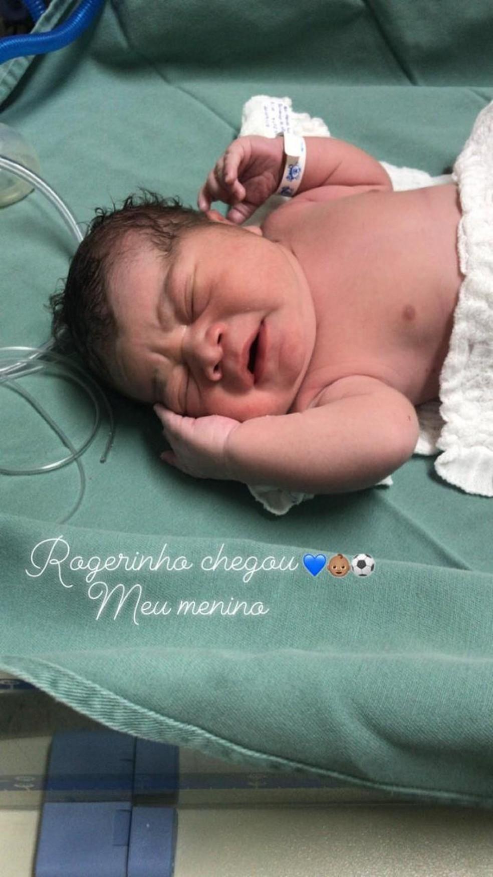 Filho de Chulapa, Rogério Ceni nasce com 3,9 kg — Foto: Reprodução Instagram