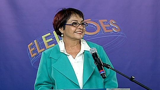 Aspásia Camargo concede entrevista coletiva após debate da Rede Globo