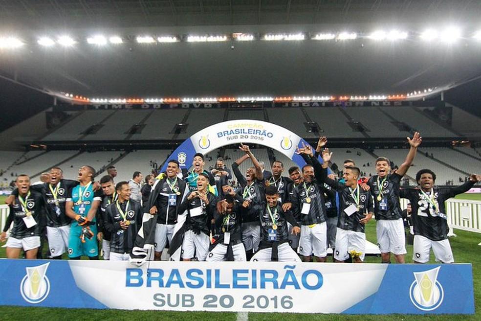 Botafogo foi campeão brasileiro sub-20 em 2016 — Foto: Vitor Silva/Botafogo
