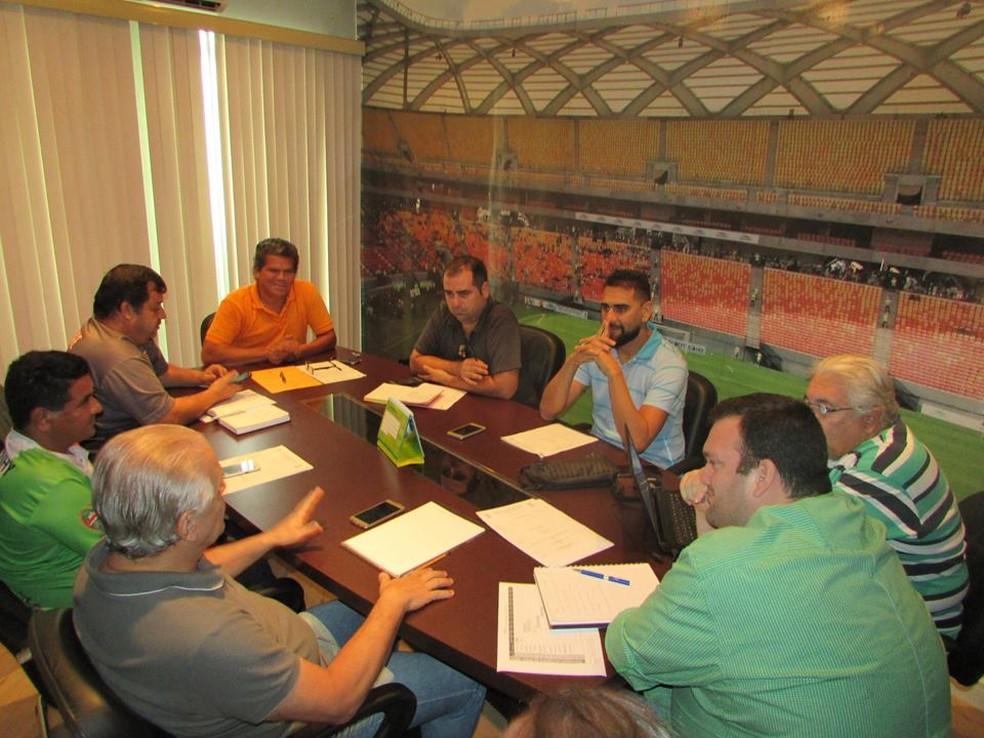 Clubes e Federação se reuniram nesta quinta (Foto: Divulgação/FAF)