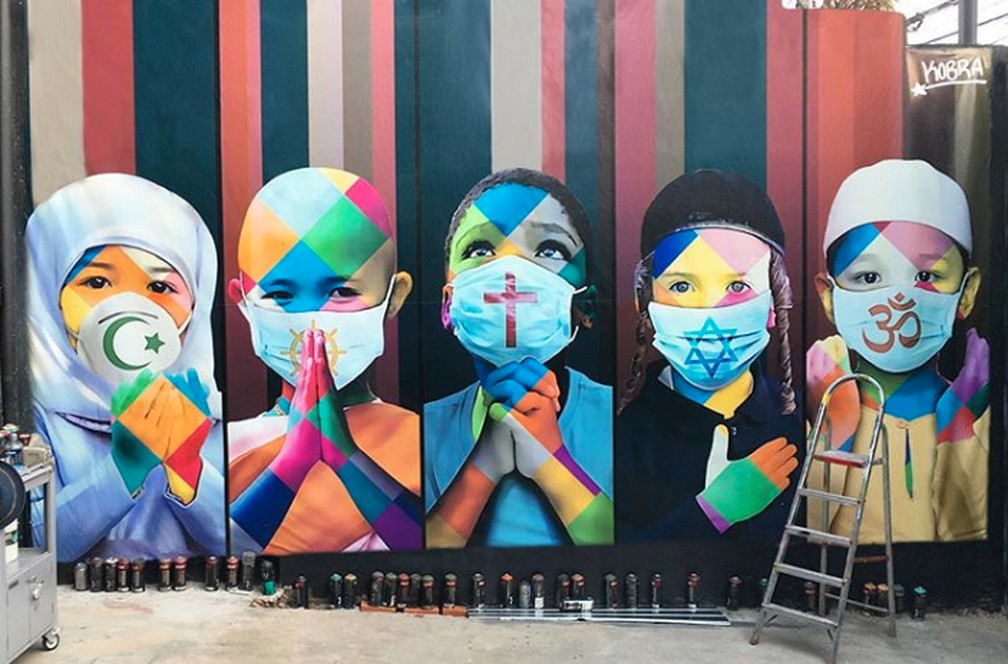 A nova obra do artista Kobra homenageia as vítimas do coronavírus no mundo e pede pé para enfrentar a pandemia. — Foto: Reprodução/Instagram