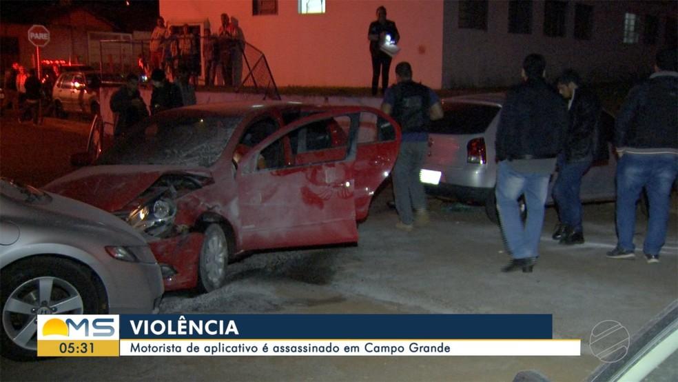 Polícia no local do latrocínio — Foto: Reprodução/TV Morena