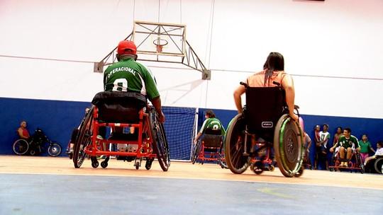 Marcos Paiva joga Handebol adaptado