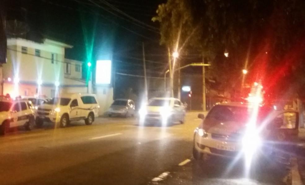 Homem morreu na noite desta sexta (23) em São José (Foto: Grupo Ocorrência 24h/Divulgação)