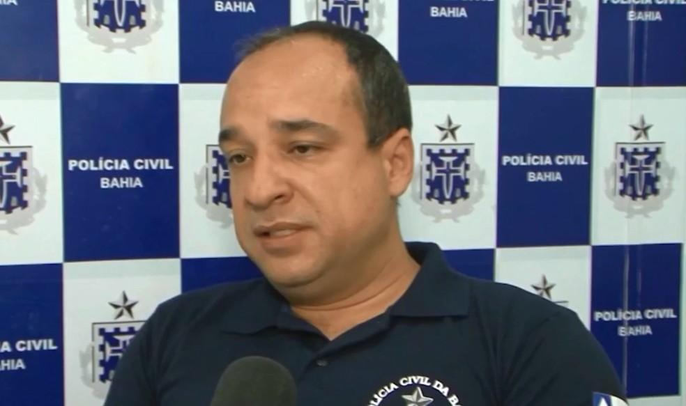 Delegado Marcus Moraes disse que pedirá exumação do gêmeo do bebê, que morreu de causas naturais no início do mês — Foto: Reprodução/TV Sudoeste