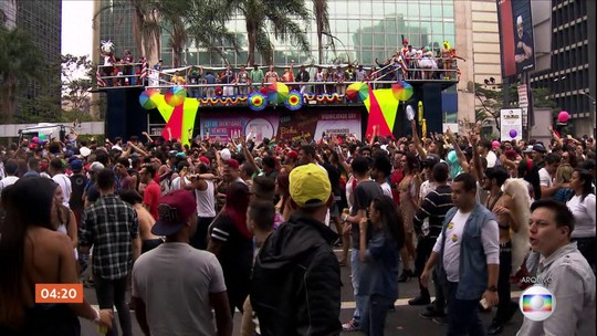 MP investiga exploração ilegal de trios elétricos durante Parada Gay em SP