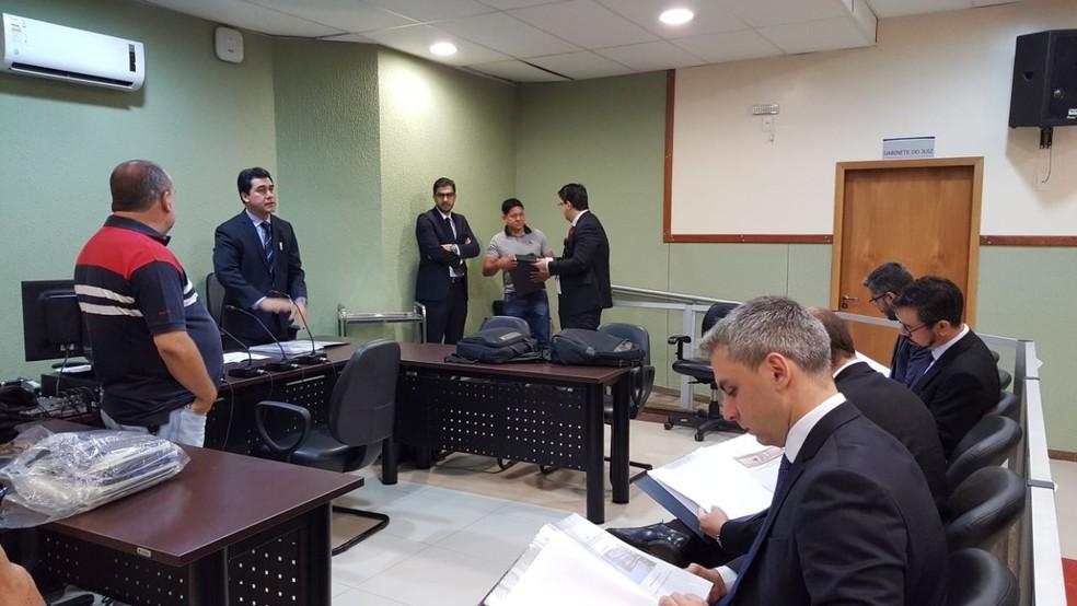 Operação cumpre mandados na Prefeitura de Crixás, em Goiás (Foto: Fagner Pinho/MP-GO)