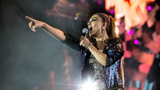 Juliana Paes exalta 'Festeja Brasil' com vozes femininas: 'Lindo demais'
