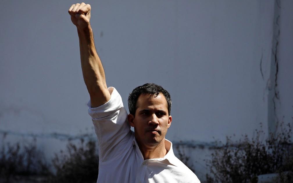 Guaidó, de 35 anos, assumiu a presidência da Assembleia Nacional, o último órgão de Estado sob controle da oposição — Foto: Reuters/Carlos Garcia Rawlins