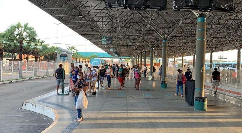 Terminais de ônibus vão fazer mutirão para cadastro de vacinação contra Covid-19 em Fortaleza