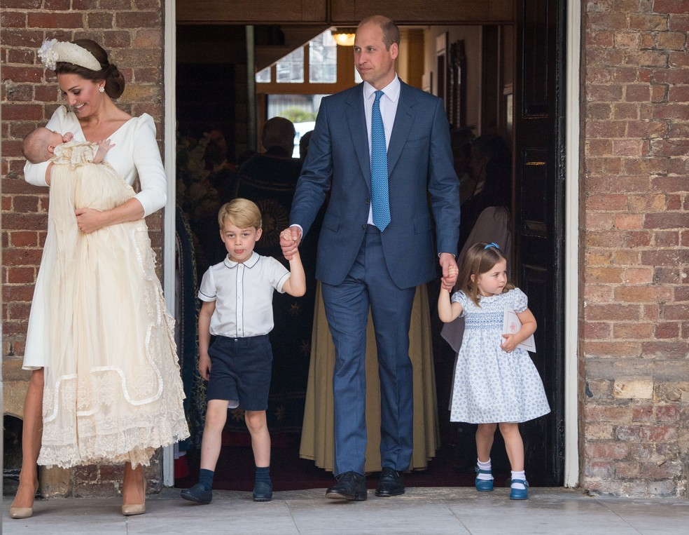 William e Kate deixam batizado do príncipe Louis com os filhos — Foto: Dominic Lipinski/Pool via REUTERS