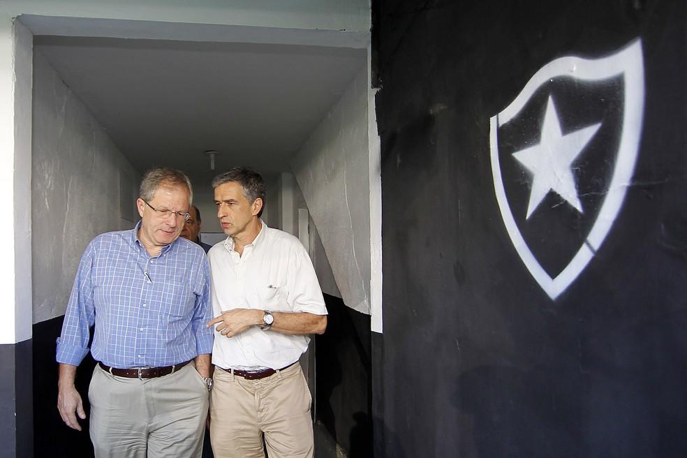 Renha, à direita de CEP, foi elo para CT e é unanimidade no clube (Foto: Vitor Silva/SSpress/Botafogo)