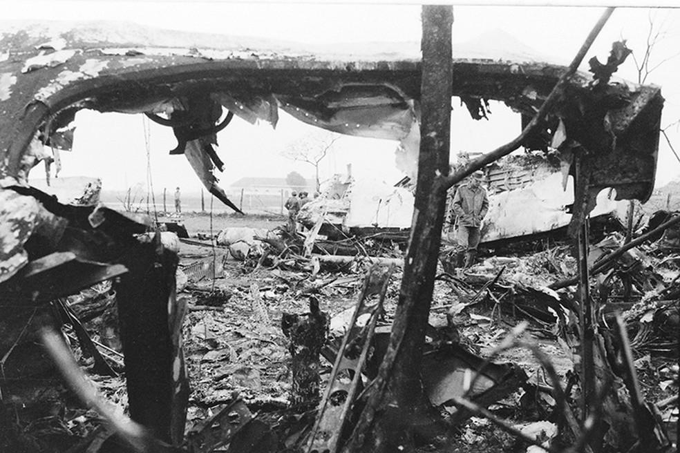 Avião com 20 militares cai em Ponta Porã e corpos foram levados de trem para Campo Grande. — Foto: Roberto Higa
