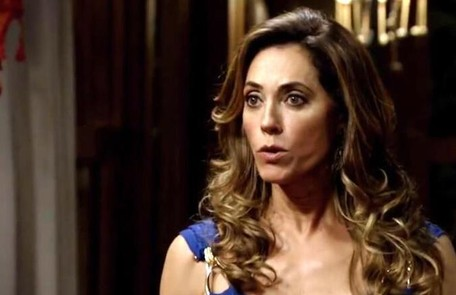 Na quinta (23), Tereza Cristina verá a irmã gêmea de Marcela (Suzana Pires) no cemitério e se assustará TV Globo