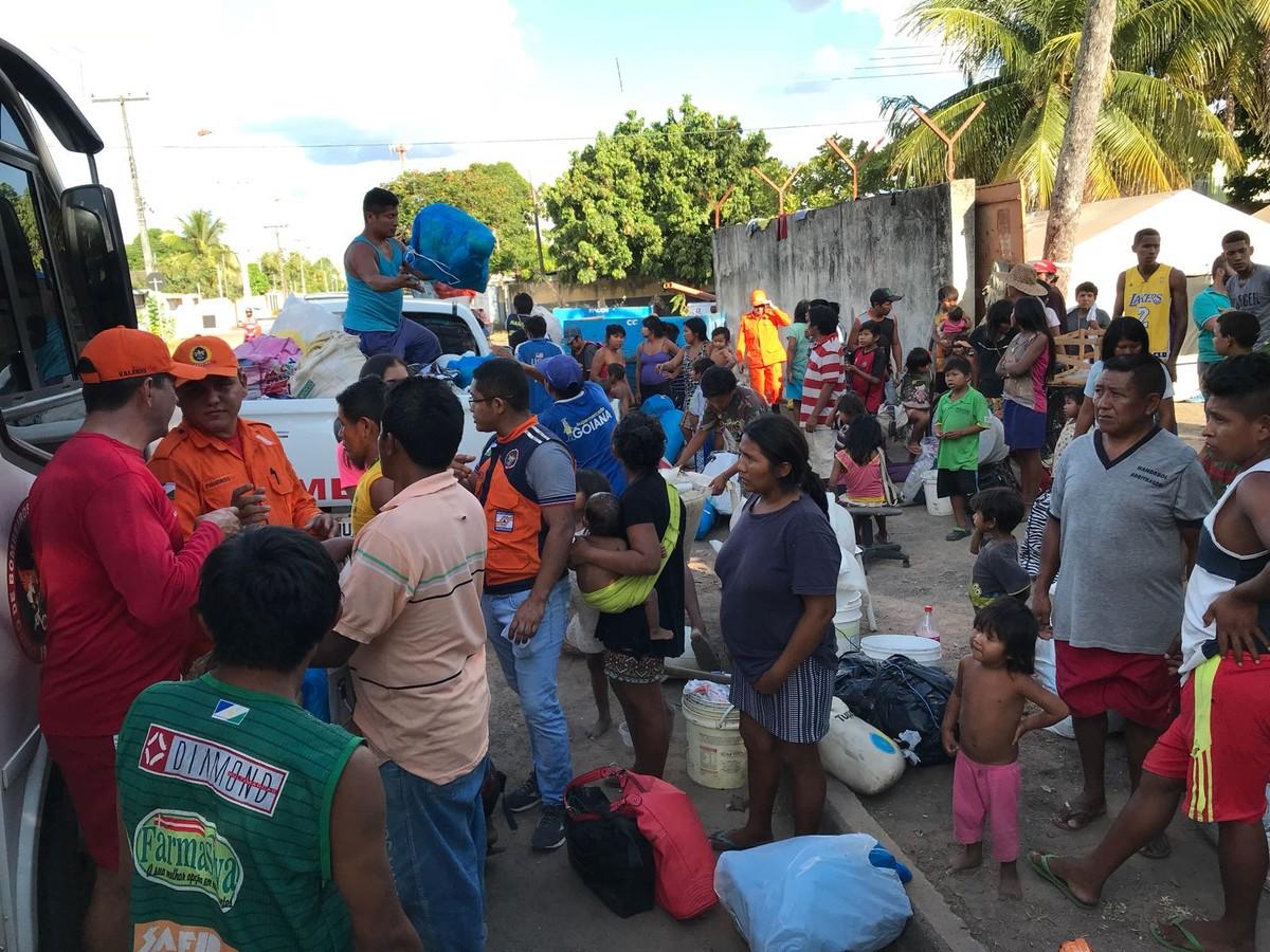 Defesa Civil divide venezuelanos índios e não-índios entre abrigos em Boa Vista