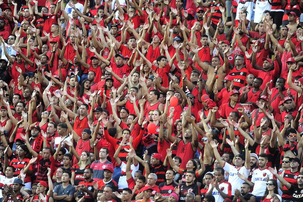 Torcida do Flamengo no Pacaembu — Foto: Marcos Ribolli/GLOBOESPORTE.COM
