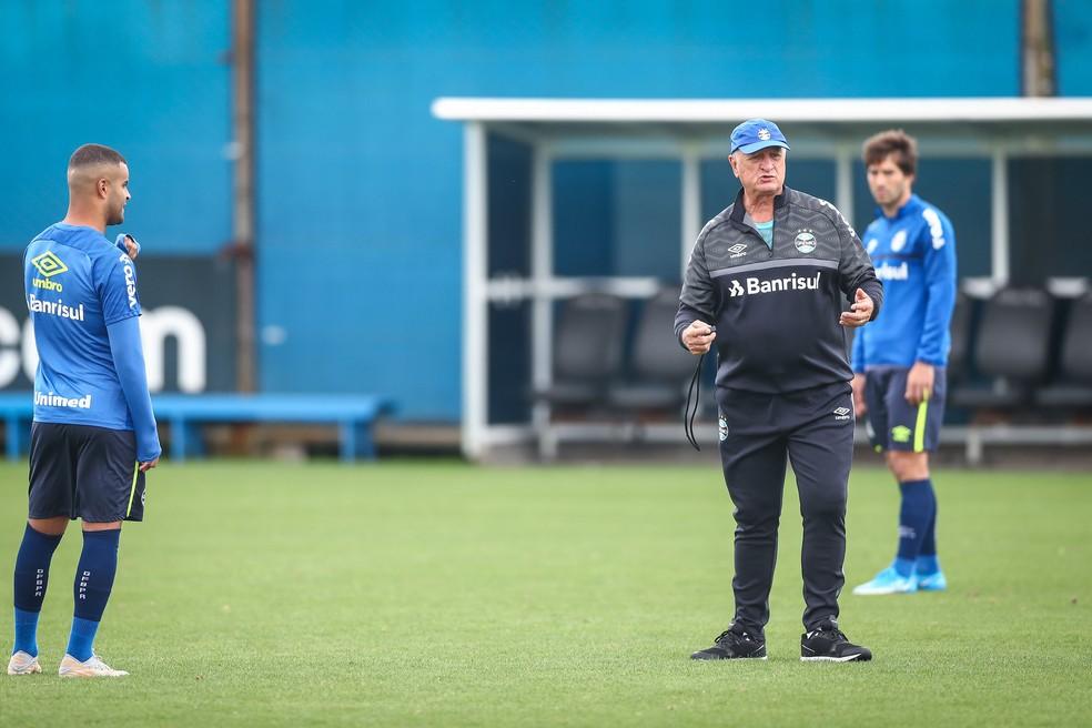 Felipão busca tirar o Grêmio da zona de rebaixamento — Foto: Lucas Uebel/Grêmio FBPA