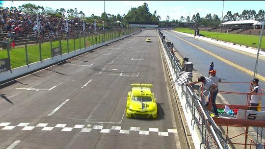 Daniel Serra vence a segunda corrida da Stock Car no Velopark
