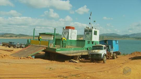Falta de balsa faz moradores viajarem 70 quilômetros para chegar em Guapé, MG