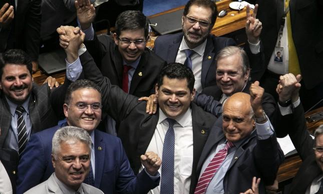 Davi Alcolumbre comemora vitória no Senado