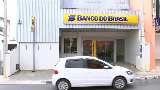 Moradores de Sarapuí reclamam do fechamento da única agência do Banco do Brasil