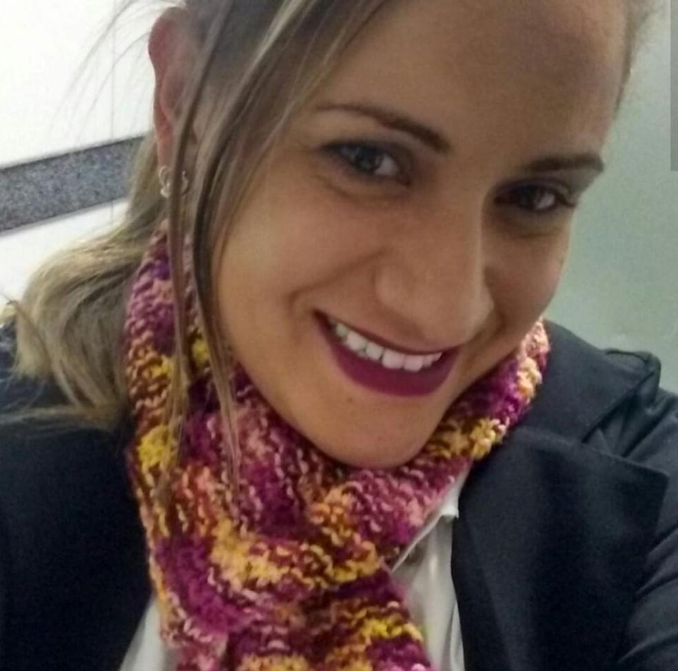 Recepcionista Patrícia Elen, de 33 anos, que morreu na manhã desta quinta-feira (6) — Foto: Arquivo pessoal