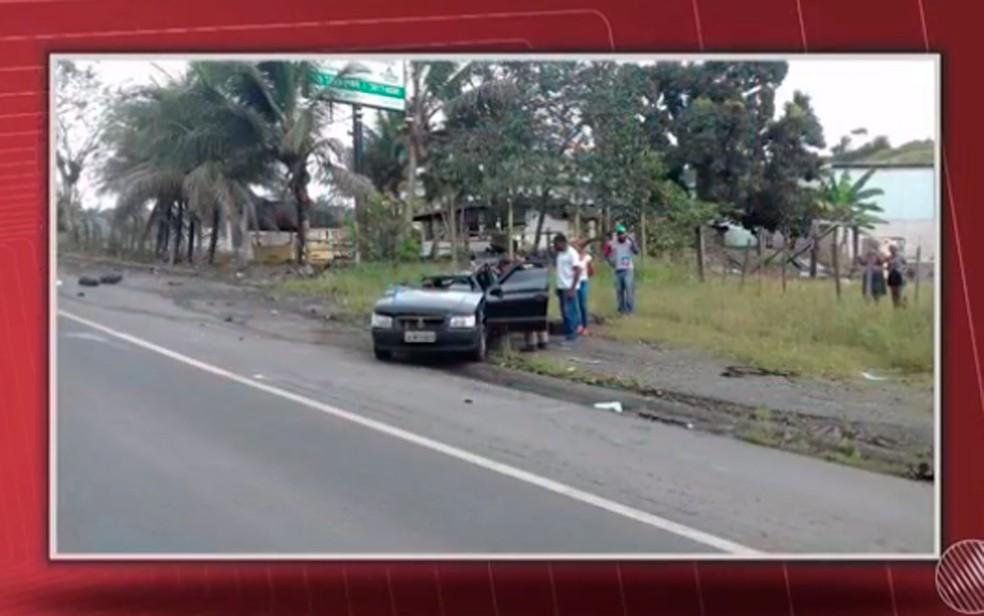Acidente aconteceu na BR-101, entre Itabuna e Buerarema, na Bahia (Foto: Reprodução/ TV Santa Cruz)