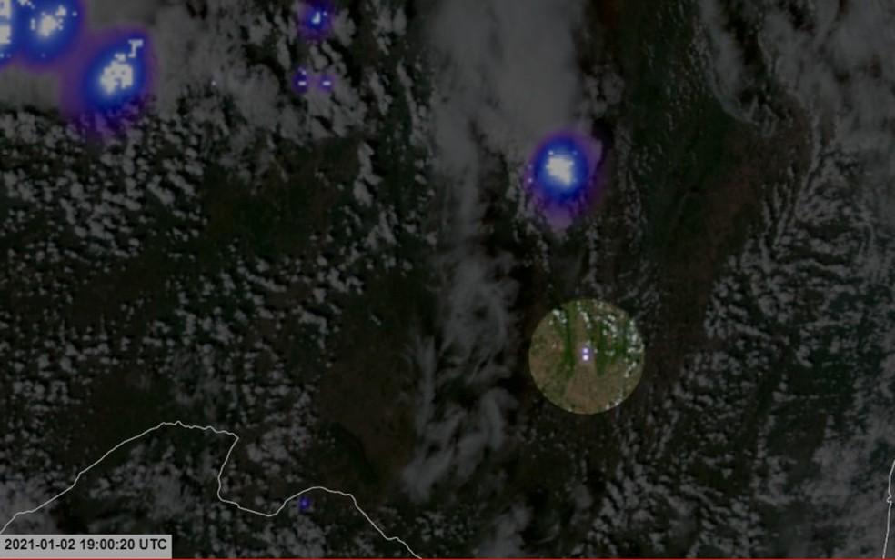 Flash do meteoro registrado no Satélite GOES-16 — Foto: Reprodução/Site Bramon