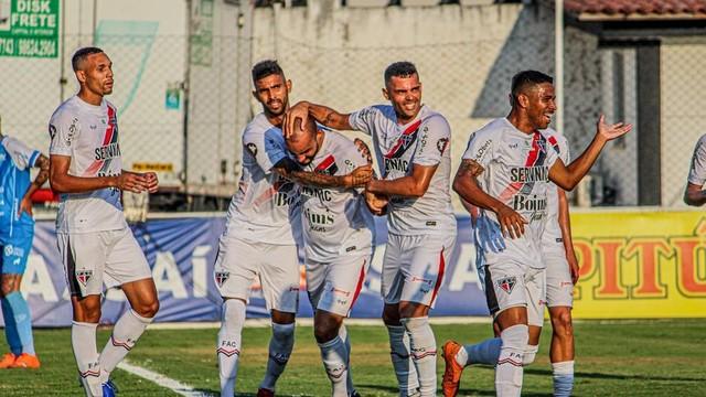 Ferroviário-CE goleia o Paysandu por 5 a 1, no estádio da Cidade Vozão