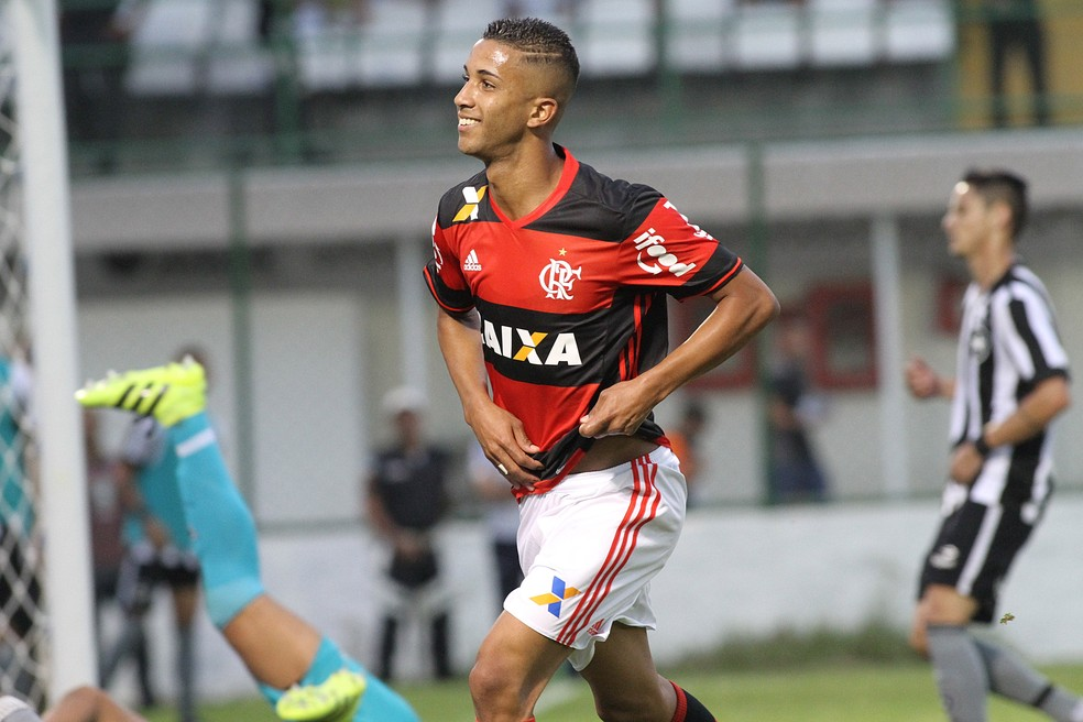 Jorge comemora gol em cima do Botafogo — Foto: Gilvan de Souza/Flamengo