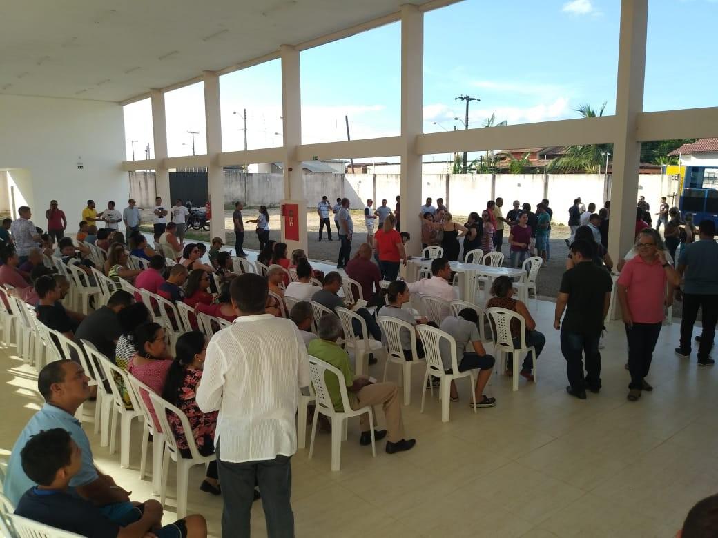 Sindicato diz que 10 mil servidores públicos estão com salários atrasados em Roraima - Radio Evangelho Gospel