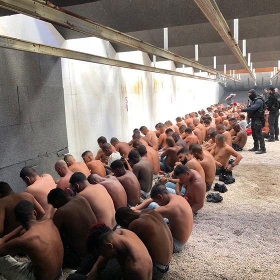 Acusados de pertencer a milícias foram presos após churrasco na Zona Oeste do Rio de Janeiro (Foto: Reprodução)