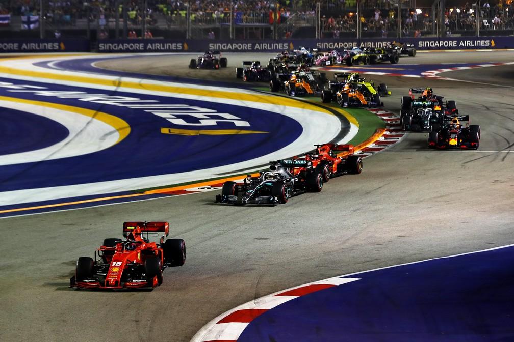 Largada do GP de Singapura, em Marina Bay — Foto: Getty Images