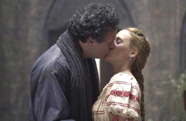 Depois de sobreviver a uma flechada, Diana (Fernanda Nobre) terá um desfecho feliz ao lado de Gregório (Danton Mello), que pedirá a moça em casamento (Foto: Reprodução)