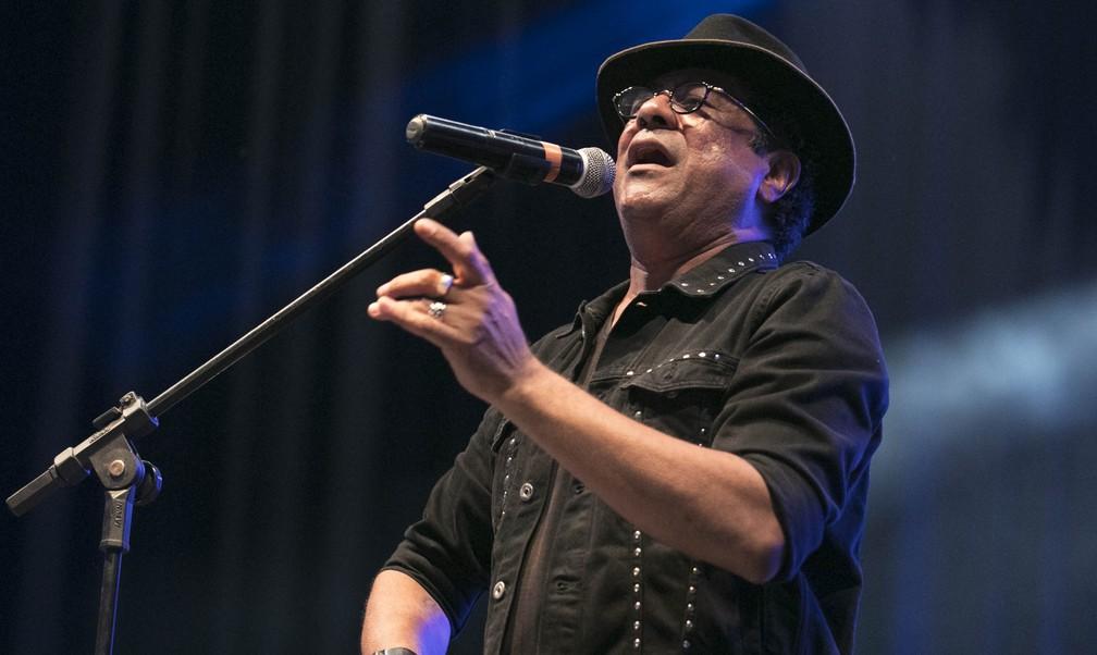 Maciel Melo celebrou cultura popular nordestina em show no palco interno do São João da Capitá (Foto: Charles Johnson/Divulgação)