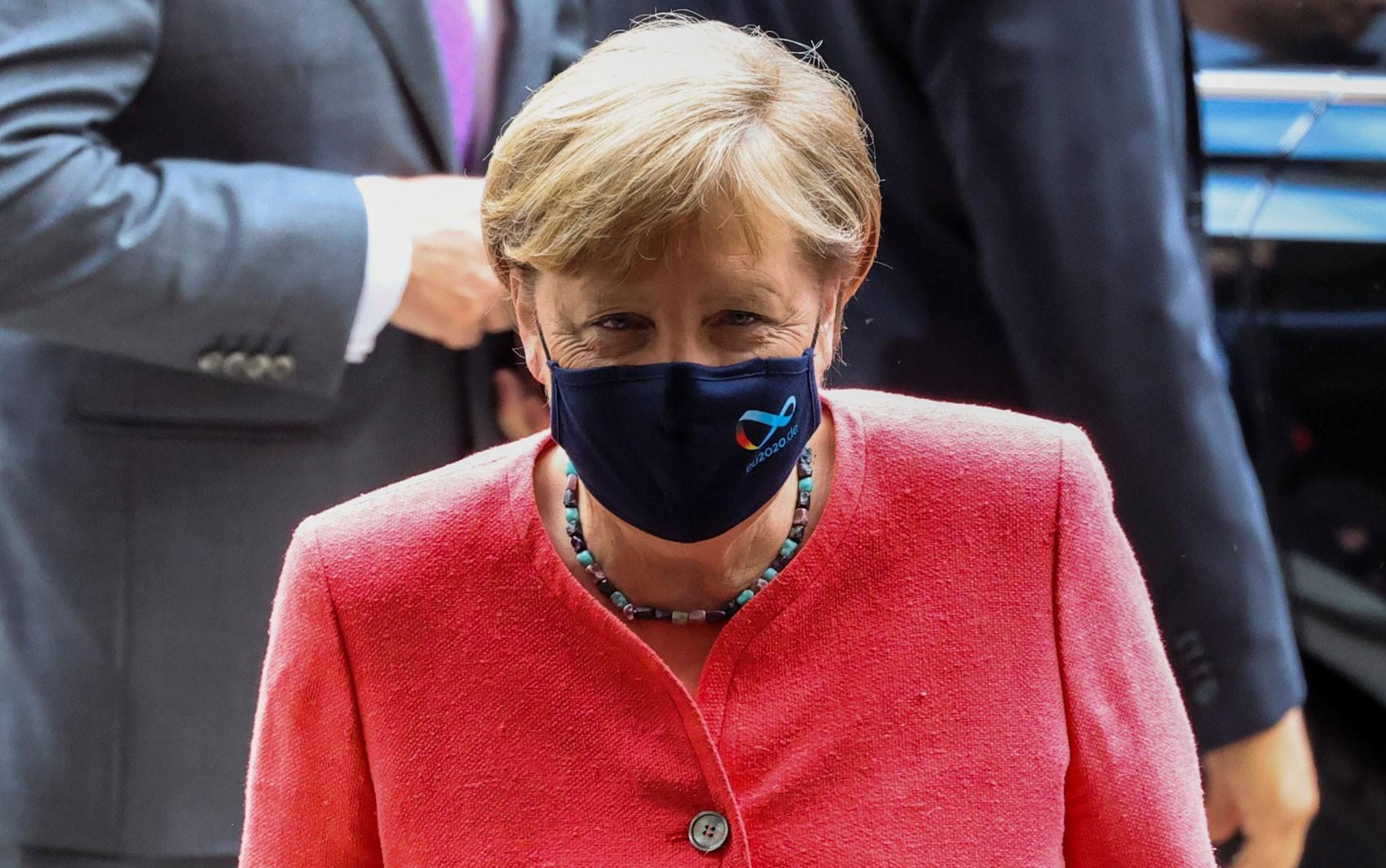 Merkel defende obrigatoriedade do uso de máscara contra a covid-19