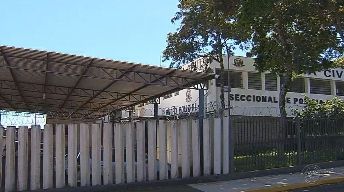 Idoso preso por estuprar neta de 13 anos deu R$ 12 para menina após abuso sexual, diz polícia