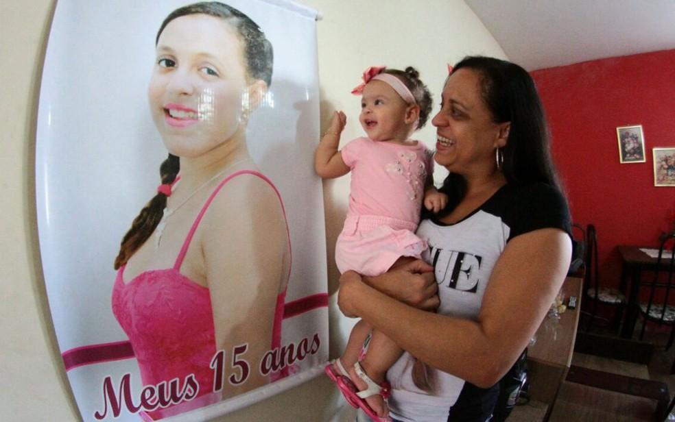 Maria Júlia, filha mais velha de Daniela, viajou para a Nova Zelândia pelo Programa Ganhe o Mundo (Foto: Aldo Carneiro/Pernambuco Press)
